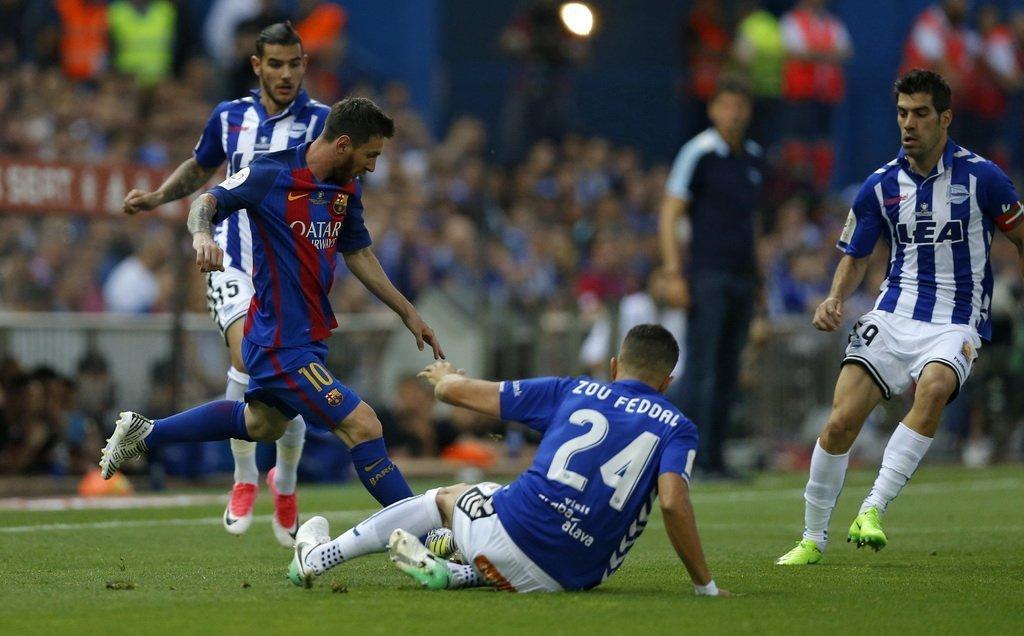 Nhưng Messi vẫn biết cách đưa đội nhà vượt qua khó khăn