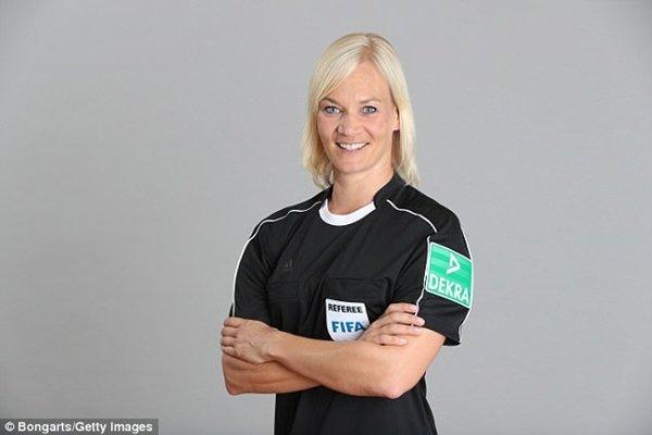 Bibiana Steinhaus tham gia điều khiển các trận đấu tại Bundesliga từ mùa giải tới