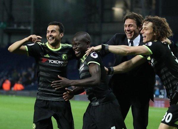 Pedro ghi 8 bàn cho Chelsea