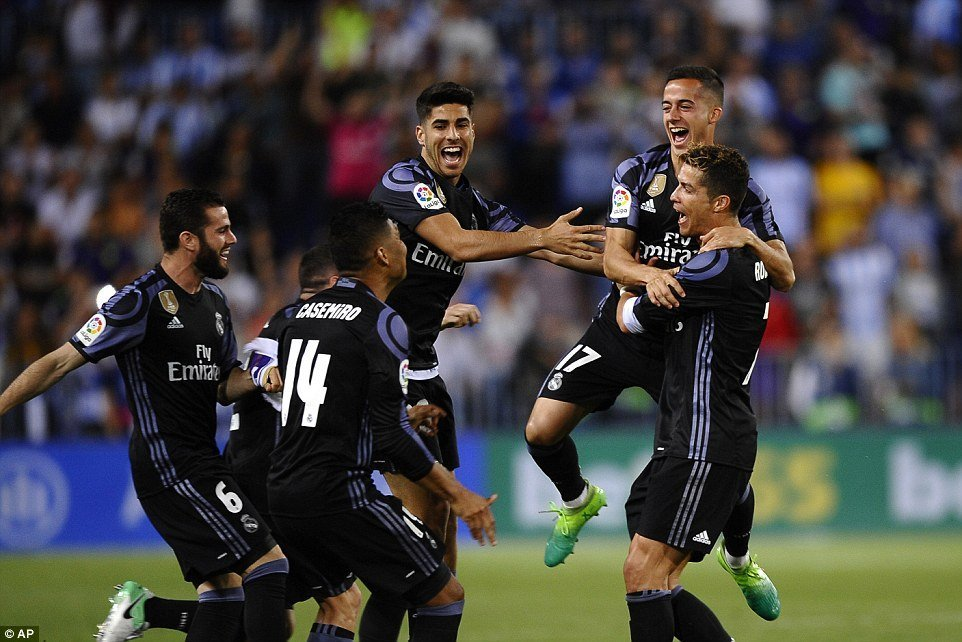 Real Madrid chính thức đăng quang La Liga lần thứ 33