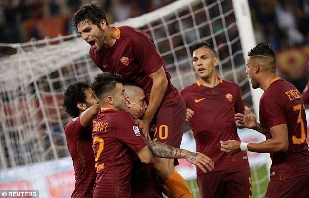 Roma không để Juventus đang quang ngay tại Olimpico