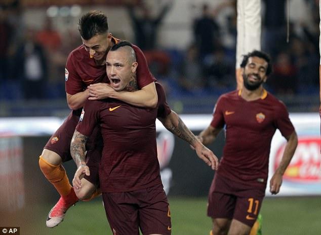 Radja Nainggolan ấn định chiến thắng 3-1 cho Roma