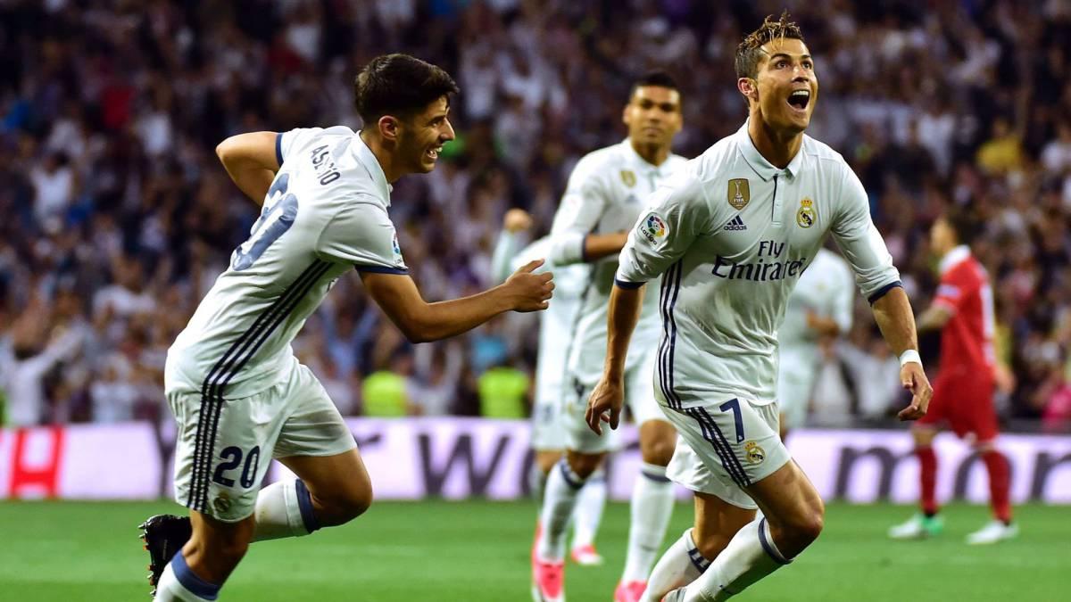 Ronaldo lập một cú đúp trong chiến thắng 4-1 trước Sevilla