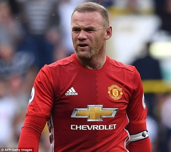 Wayne Rooney là cầu thủ chịu thiệt thòi nhiều nhất về tiền lương nếu M.U thua Ajax