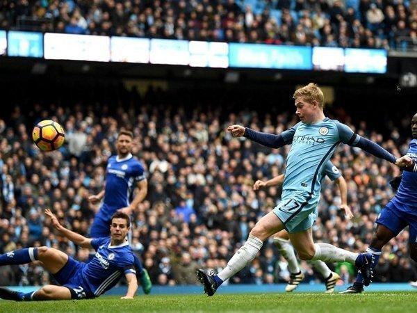 Pha bỏ lỡ đáng tiếc của Kevin De Bruyne giúp Chelsea tiếp mạch chiến thắng