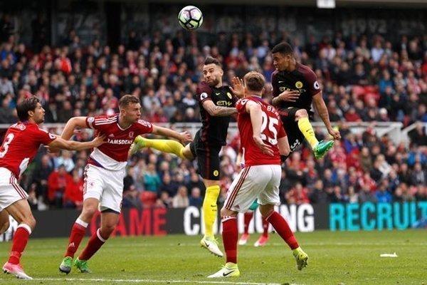 Man City và Liverpool có thể phải đá play-off để xác định vé dự Champions League