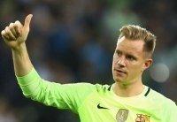"""Barcelona """"trói chân"""" thủ môn Stegen đến năm 2022"""