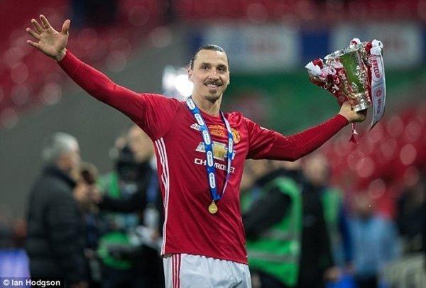 Zlatan Ibrahimovic nhận mức lương lên đến 367.640 bảng/tuần tại M.U