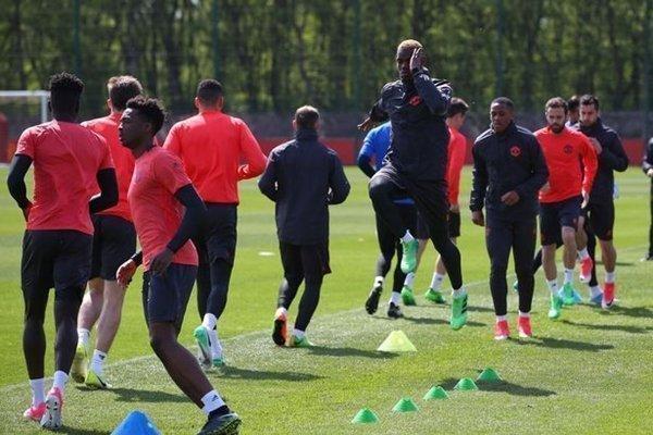 Paul Pogba sẵn sàng để HLV Jose Mourinho lựa chọn