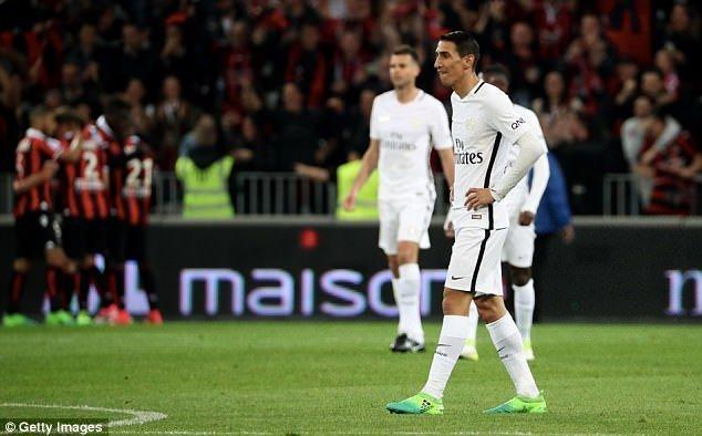 PSG khép lại trận đấu tồi tệ bằng chiếc thẻ đỏ của Di Maria