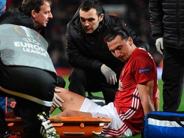 Zlatan Ibrahimovic phẫu thuật thành công và sẽ trở lại thi đấu sau khi bình phục sức khỏe
