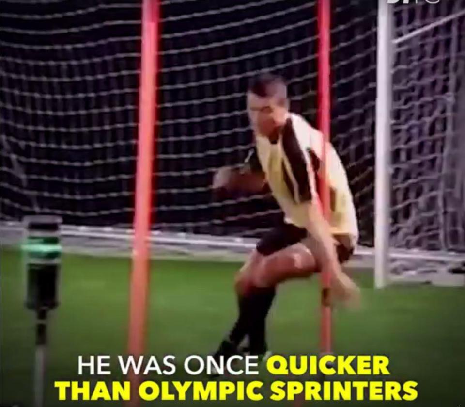 Ronaldo chạy zig-zag rất nhanh