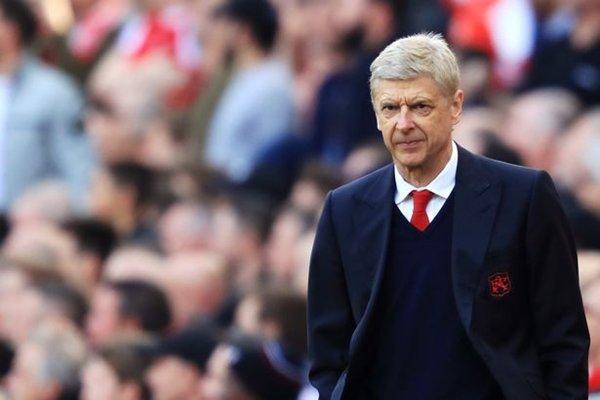 Arsenal của Arsene Wenger gần như không có cửa cạnh tranh ngôi số 1 Premier League 2017-2018