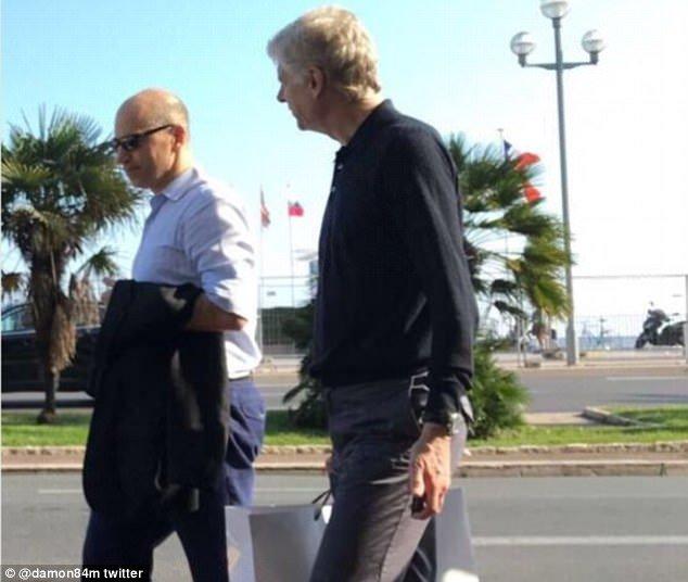 HLV của Arsenal, Arsene Wenger và Giám đốc điều hành, Ivan Gazidis xuất hiện ở Nice