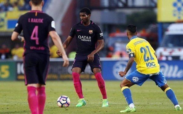 Santos gia nhập Barcelona theo dạng cho mượn từ mùa trước