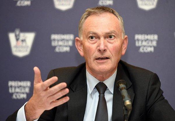 """Chủ tịch Premier League, Richard Scudamore gọi ý tưởng của UEFA là """"điên rồ"""""""
