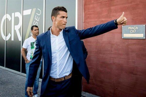 Real Madrid lên tiếng ủng hộ Cristiano Ronaldo trước cáo buộc trốn thuế