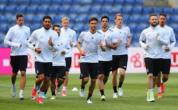 Tuy không triệu tập đội hình mạnh nhất nhưng tuyển Đức vẫn được đánh giá cao