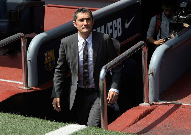 Barcelona chính thức trình làng Ernesto Valverde với người hâm mộ sân Nou Camp