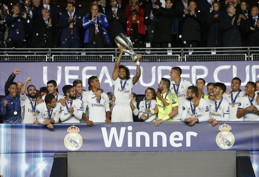 Zidane thể hiện khả năng xoay trở với danh hiệu Siêu cúp châu Âu khi đội hình vắng nhiều ngôi sao
