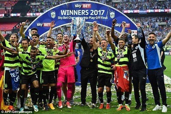 Huddersfield lần đầu tiên lên chơi tại Premier League