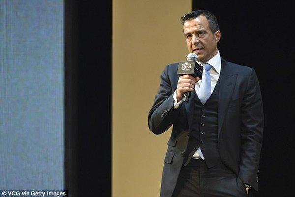 Người đại diện của Costa, Jorge Mendes đang đàm phán với AC Milan
