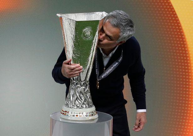 Kế hoạch tổng thể của Jose Mourinho cho trận chung kết giúp M.U vượt qua Ajax một cách thuyết phục để vô địch Europa League