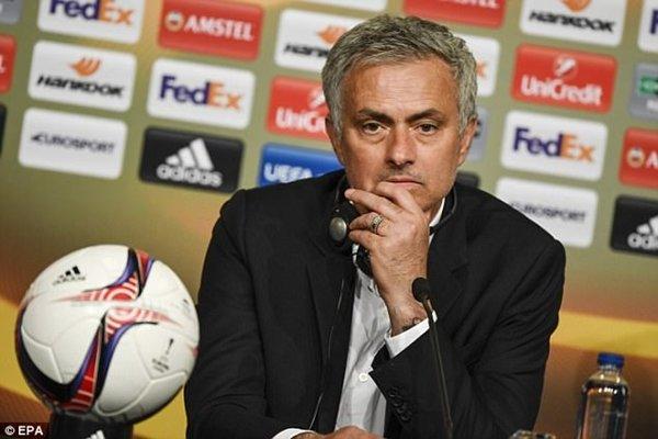 Jose Mourinho sẽ mở cánh cửa đón Bale tới M.U