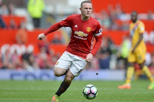Jose Mourinho dự kiến tước băng đội trưởng của Wayne Rooney kể từ mùa giải 2017-2018