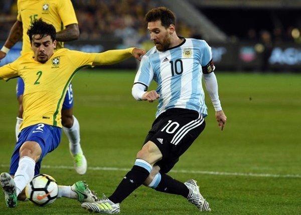 Messi kiếm được 72.000 bảng mỗi ngày trong hợp đồng mới với người khổng lồ xứ Catalan