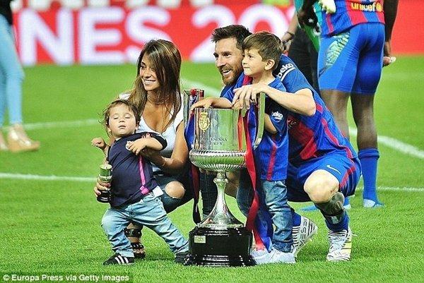 Điêu khoản giải phóng hợp đồng của Messi tăng lên 350 triệu bảng