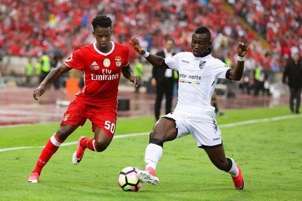 Quỷ đỏ dự kiến đưa Semedo về để cạnh tranh với Antonio Valencia