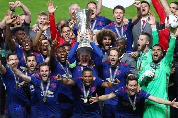 Chức vô địch Europa League 2016-2017 là cú hích quan trọng giúp M.U trở lại ngôi đầu trên bảng xếp hạng giá trị nhất thế giới của Forbes