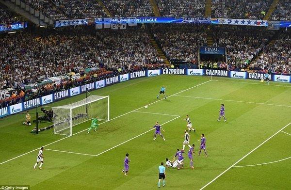 """""""Siêu phẩm"""" bàn thắng của Mario Mandzukic không đủ giúp Juve vực dậy thế trận"""