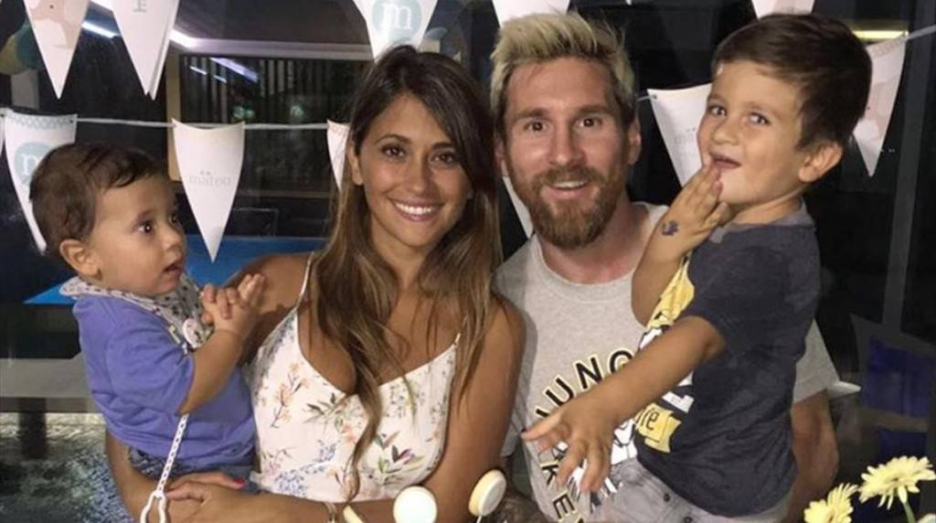 Messi và hai cậu con trai