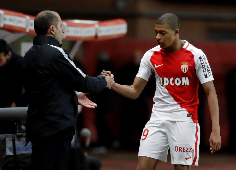 AS Monaco vẫn muốn giữ chân Mbappe lâu dài