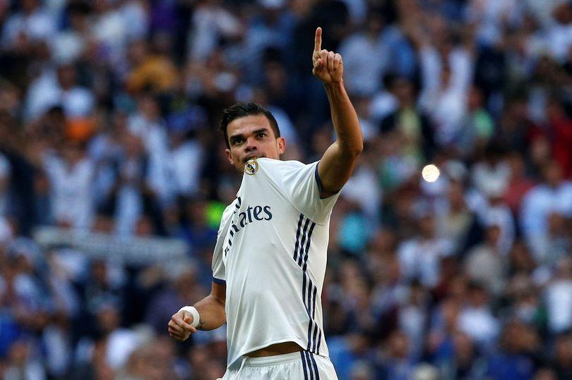 Pepe khép lại 10 năm gắn bó với Bernabeu và dự định tới Premier League thi đấu
