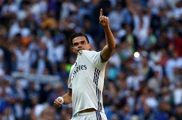 Pepe là gương mặt đầu tiên xác nhận sẽ rời Santiago Bernabeu