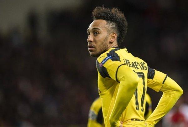 PSG rút khỏi thương vụ tuyển mộ Pierre-Emerick Aubameyang vì phí chuyển nhượng quá cao