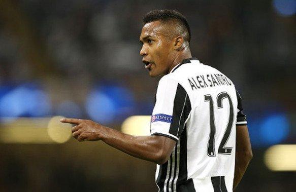Thương vụ Alex Sandro gia nhập Chelsea bất ngờ bị trì hoãn
