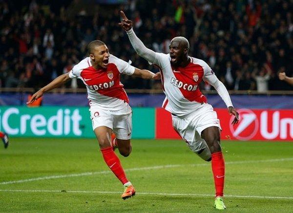 Chelsea vượt qua hàng loạt kình địch để ký hợp đồng với Tiemoue Bakayoko