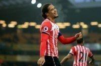 Liverpool muối mặt xin lỗi Southampton, rút khỏi thương vụ Van Dijk