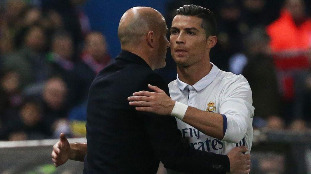 Zinedine rất có ảnh hưởng đối với Ronaldo nên ông sẽ thuyết phục anh ở lại