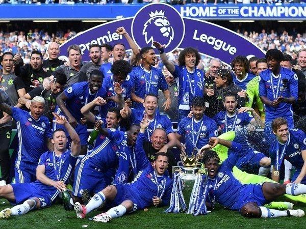 Đương kim vô địch Chelsea tiếp đón Burnley tại Stamford Bridge ở trận mở màn