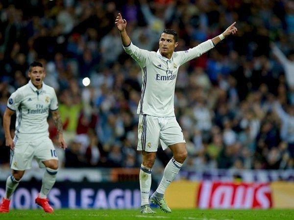 Ronaldo muốn trở lại Old Trafford, nơi ghi dấu thành công của ngôi sao này trước lúc sang Tây Ban Nha