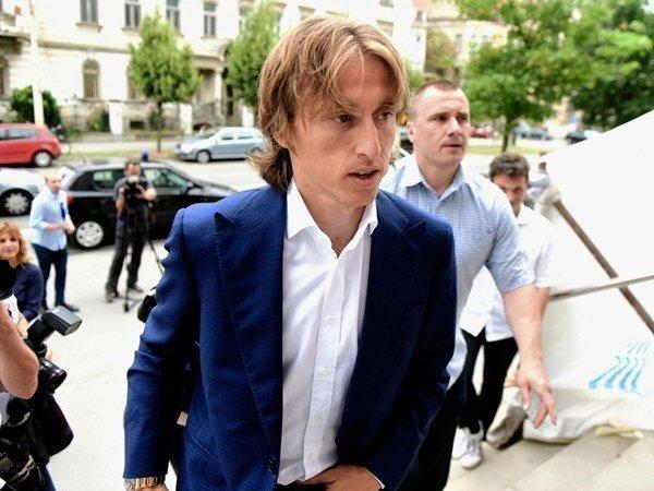 Luka Modric đối mặt với án tù 5 năm vì tội khai man