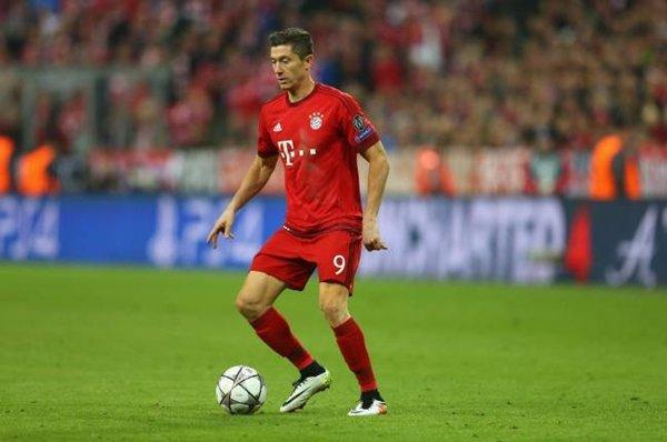 Lewandowski là một trong những mục tiêu tuyển mộ của HLV Jose Mourinho