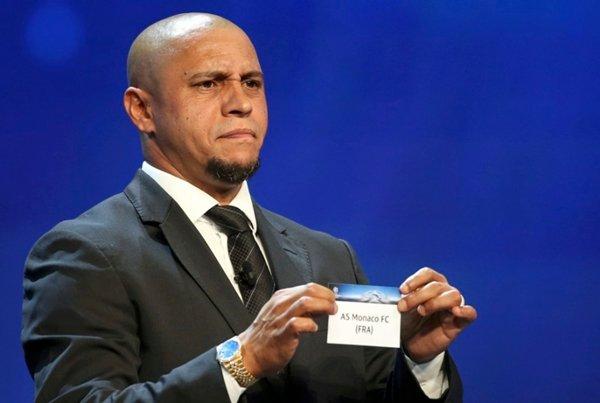 Roberto Carlos bị cáo buộc là một trong những thành viên của Brazil sử dụng doping khi vô địch World Cup 2002