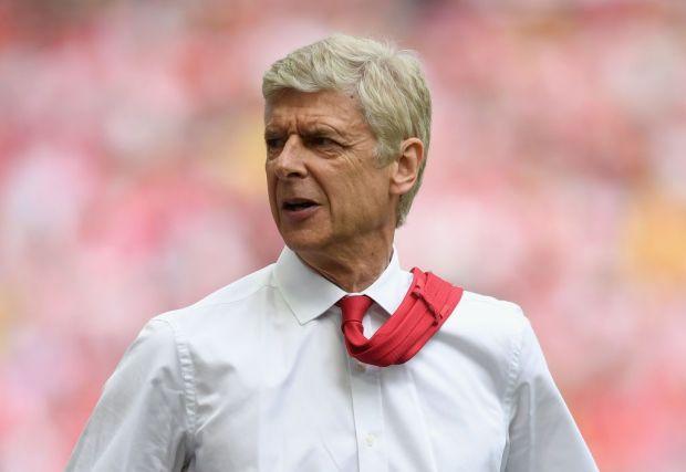 Arsene Wenger đang tiến thoái lưỡng nan với trường hợp của Sanchez