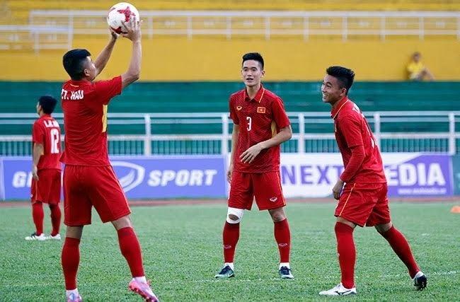 Lứa U20 Việt Nam vừa đá U20 thế giới giúp HLV Hữu Thắng thêm nhiều chọn lựa